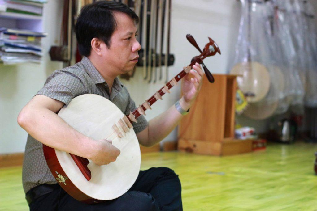 Đàn-Nguyệt-Hát-Văn-Sơn-Huyết-Hát-Văn